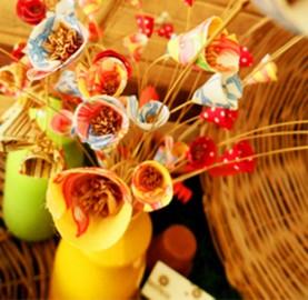 Flores de tecido trazem encanto para decoração | Cozinhas Itatiaia